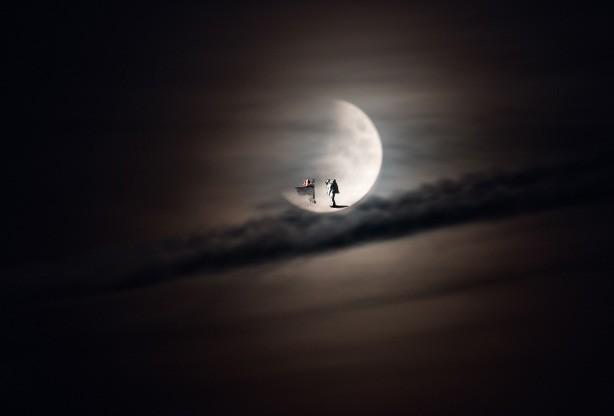 Der Mann im Mond, der hat es schwer…