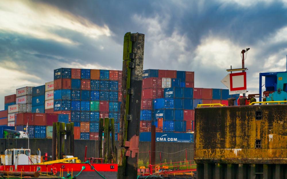 Im Containerhafen